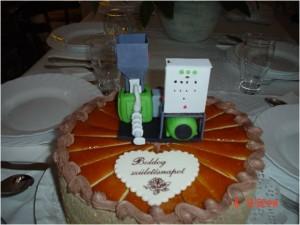 MONEX extruder szülinapi torta