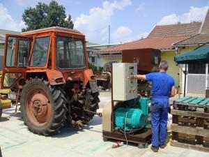 traktorhajtású extruder.